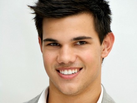 Taylor Lautner Wallpapers Body
