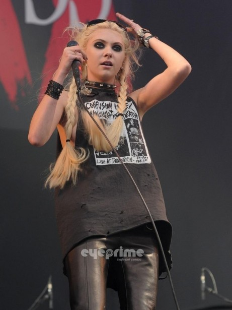 Taylor Momsen Performs During Download Festival In The Uk Jun Taylor Momsen Acff Big Body