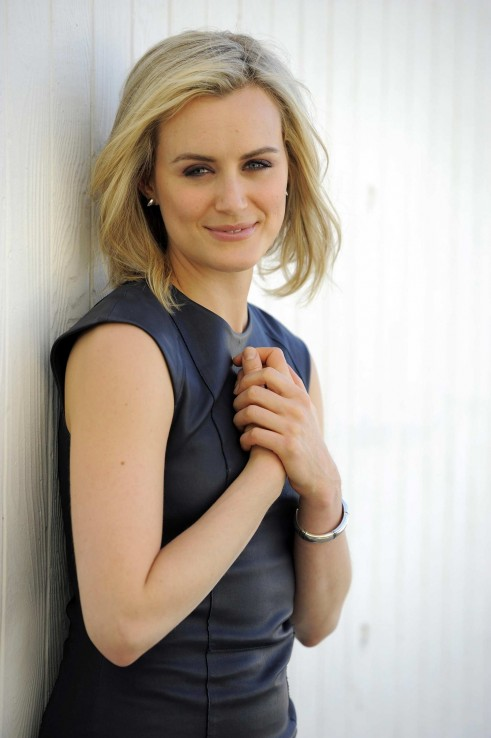Taylor Schilling Photoshoot By Chris Pizzello Taylor Schilling