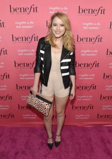 Taylor Spreitler Come To Benefit Cosmetics Kick Off National Wing Women Weekend Beach