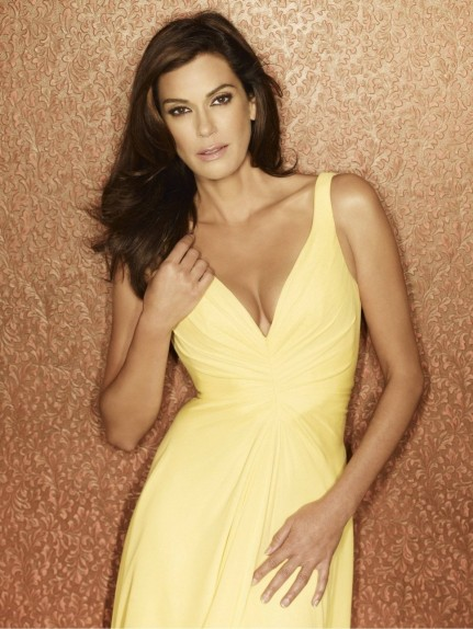 Full Teri Hatcher James Bond