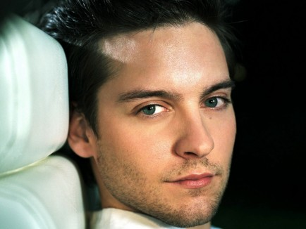 Tobey Maguire Full Resolution Picture