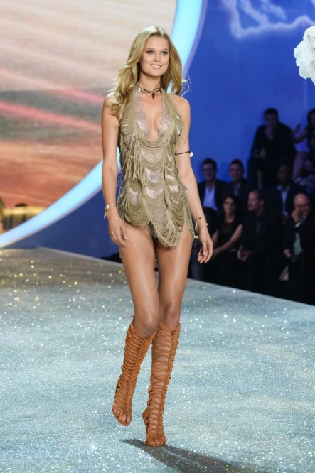 Toni Garrn Vsfs Vettrinet Fashion