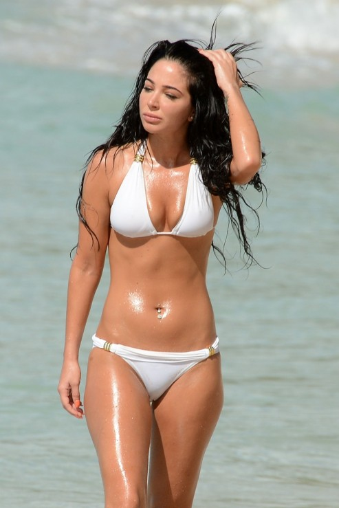 Tulisa Contostavlos Bikini Candids On The Beach In Barbados December Pics Tulisa Contostavlos