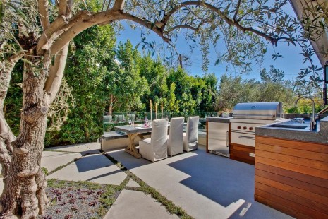 Dp Eva Knoppel India Meets The Hollywood Hills An Outdoor Living Room Hrendhgtvcom Movie