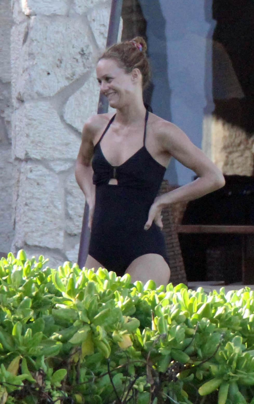 Preppie Vanessa Paradis Enjoying The Sun In Hawaii Lo Bikini