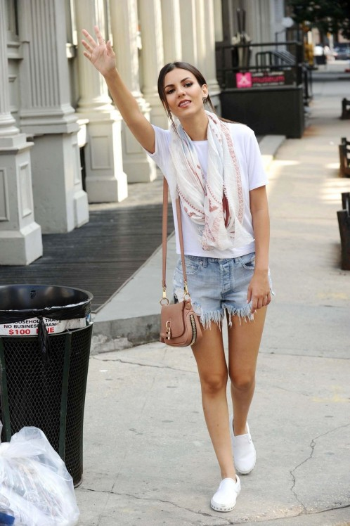 Victoria Justice In Cutoffs New York City June Ca