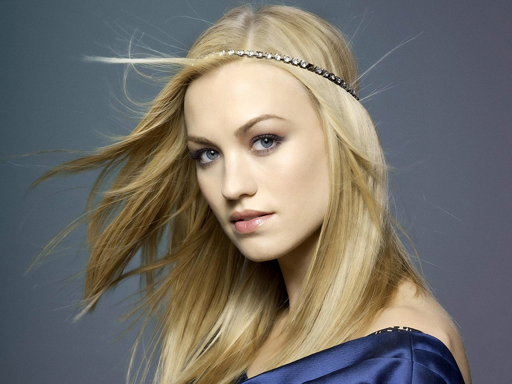 The Star Of The Plex The Canyon And Nbc Chuck Flying Hair And Silk Dress What Scene Hd Yvonne Strahovski Wallpaper Chuck